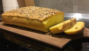 Keto kruh z mandljevo moko