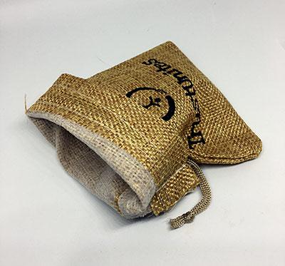 Notranjost darilne vrečke iz blaga